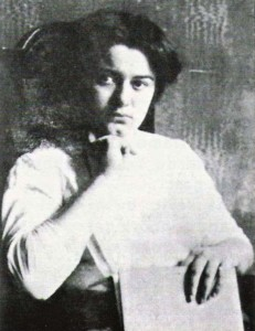 Edith_Stein-Student_at_Breslau_1913-1914 WMC