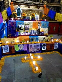 Ofrenda del Templo Regina Coeli. Calle Regina, Centro Histórico de Ciudad de México