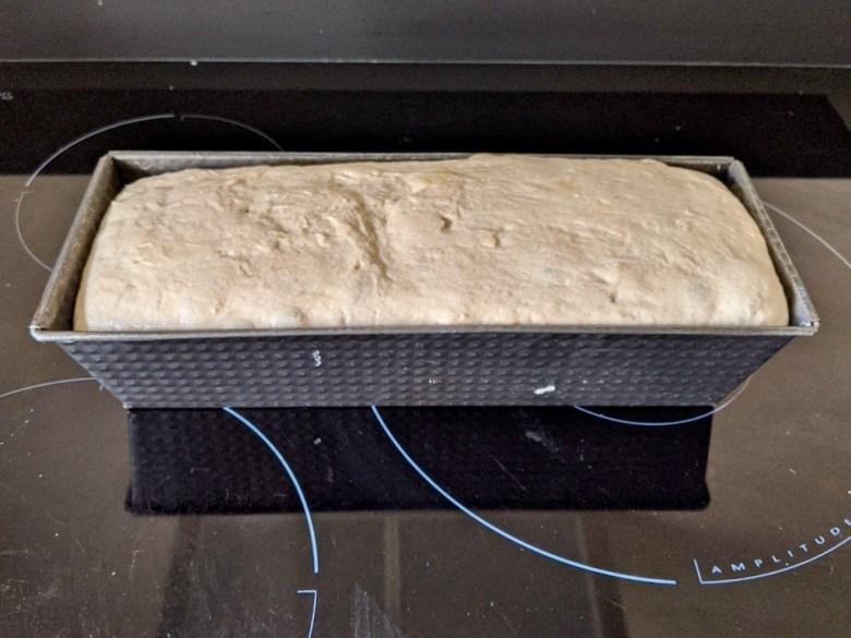 pate a pain levée dans un moule à cake