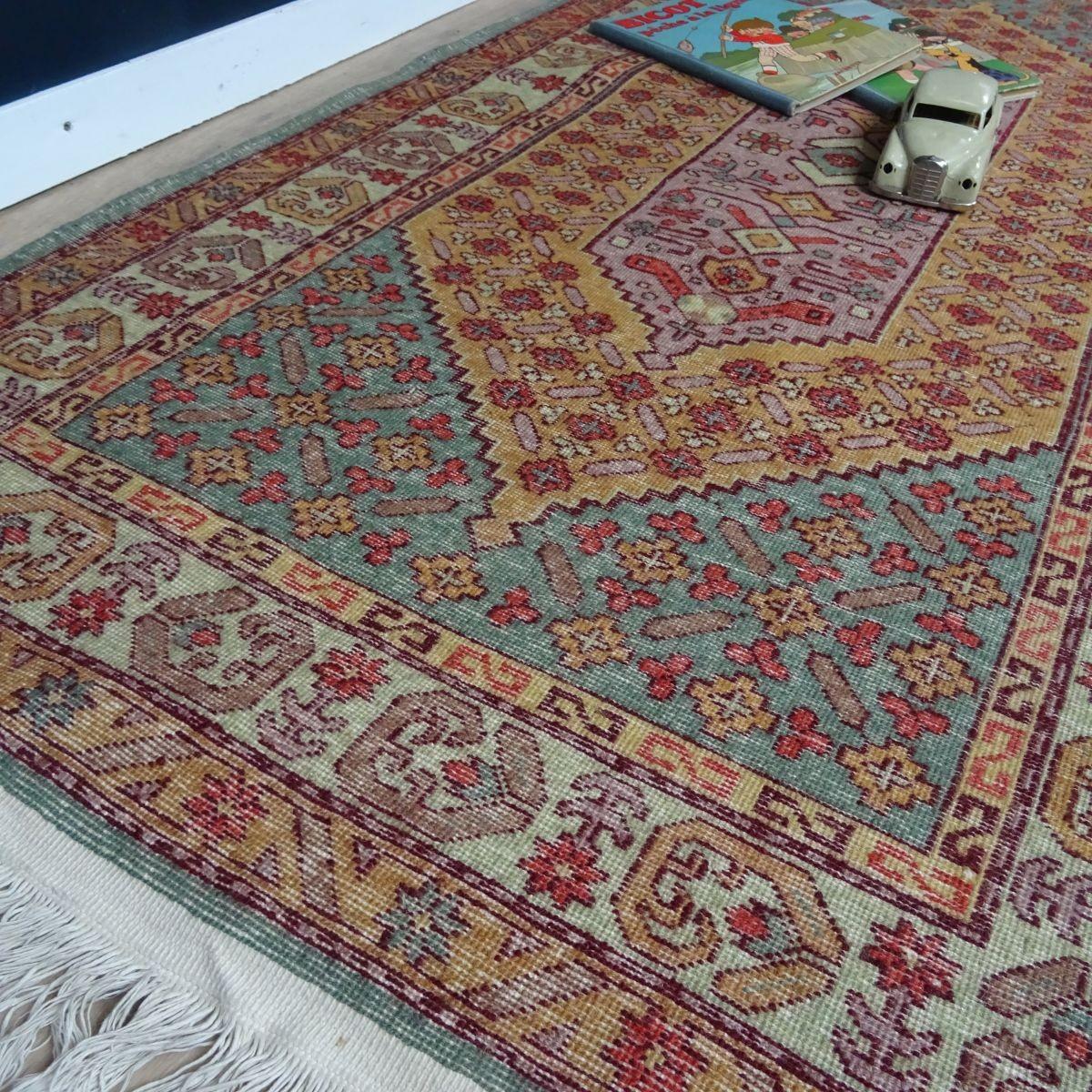 tapis d orient ancien en laine fait
