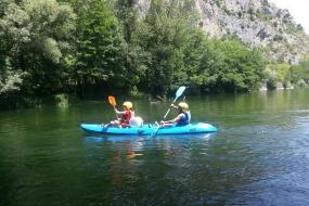 natuur sport vakantie kayak op de Ariège