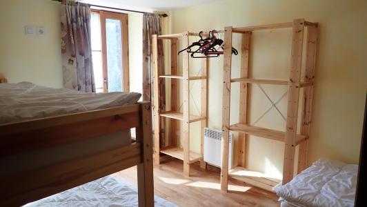 vakantiehuis-Pyreneeën-rekken-slaapkamers.jpg