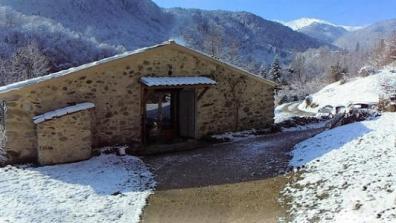 vakantiehuis-Pyreneeën-zicht-vanop-terras-winter.jpg