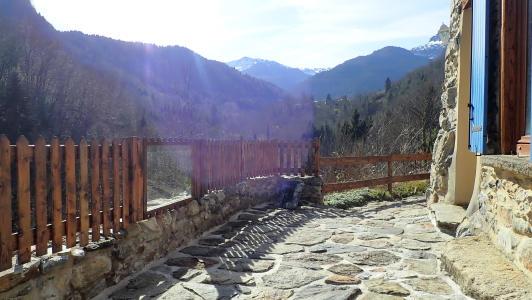 vakantiehuis-pyreneeën-terras-La-Benestante.jpg