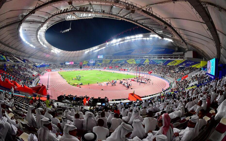 Pouvant accueillir 80 000 places, le lusail iconic stadium qu'auront lieu le match d'ouverture et la finale de la coupe du monde 2022. Mondial de football au Qatar : un stade au centre d'une ...