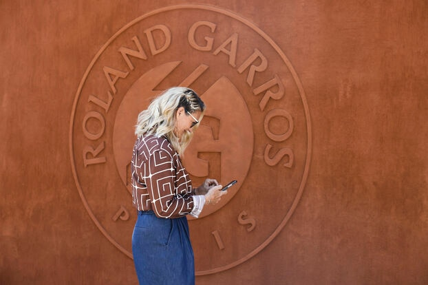 L'ancienne championne de France Mary Pierce a également été aperçue dans les allées lors de cette première journée de Roland Garros.