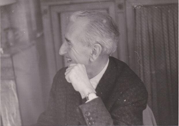 Avec les albums du Père Castor, le concept de Paul Faucher était d'allier imagination et activité manuelle.