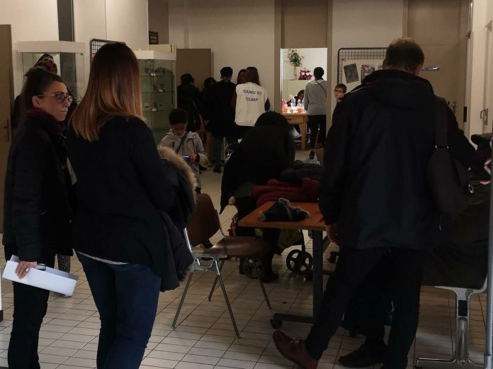 Montfermeil, this Wednesday. About sixty residents and relatives of the deceased couple came to talk and talk to the psychological cell. LP / M.Fr.