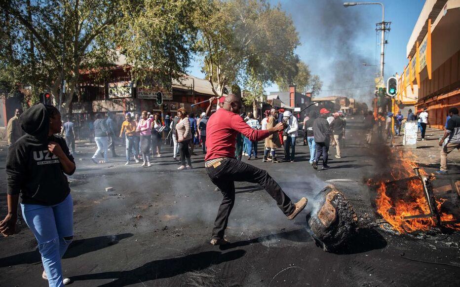 """Résultat de recherche d'images pour """"violence en afrique du sud"""""""