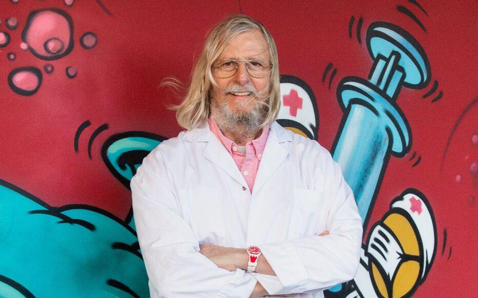 Didier Raoult, ici le 2 mars, prône une application sans délai de son remède contre le Covid-19, dont on connaît, selon lui, les effets secondaires depuis longtemps.