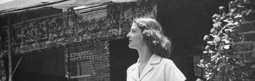cropped-1944-pajama-top-nina-leen.jpg