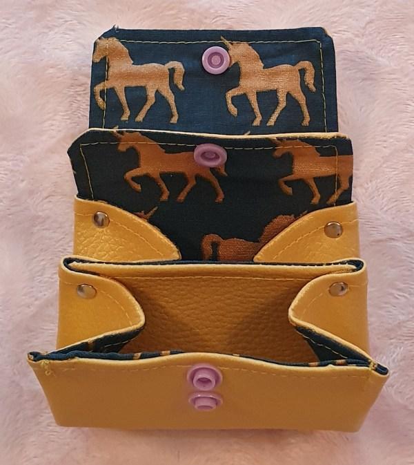 Le petit atelier de Lily porte monnaie chevaux licorne