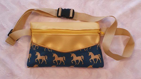 Le petit atelier de Lily sac banane chevaux licorne