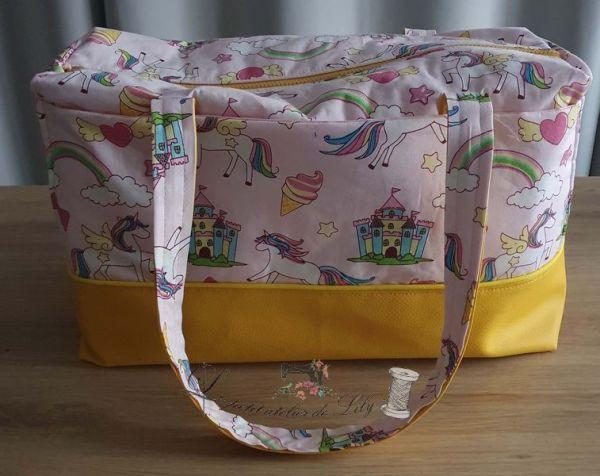 Le petit atelier de lily Sac de voyage licorne_02