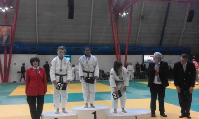 Maêva Laurier sur la plus haute marche du podium.