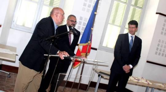 Robert d'Artois, président de la section AMOPA 82 remettait mardi en fin de journée, en présence du préfet, les palmes académiques aux récipiendaires.