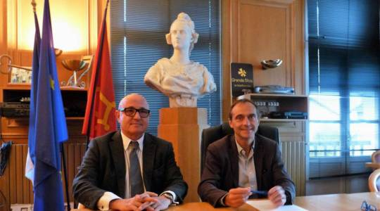 De gauche à droite..  Pascal Pessiot PDG de la Société Française de Casinos et Louis Ferré Maire de Luchon