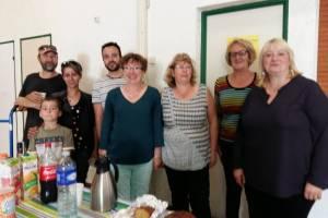 L'équipe des bénévoles de la braderie Petite Enfance, autour de Aline et IrisTordeux.