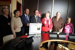 Les élus, Pierre Fugit et les participants, pour recevoir le  Prix Territoria d'Or