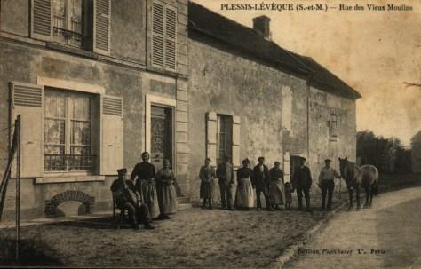 Rue des vieux moulins Le Plessis l'Evêque