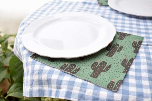 Pausa pranzo - guafres salate - tavolo picnic - le plume