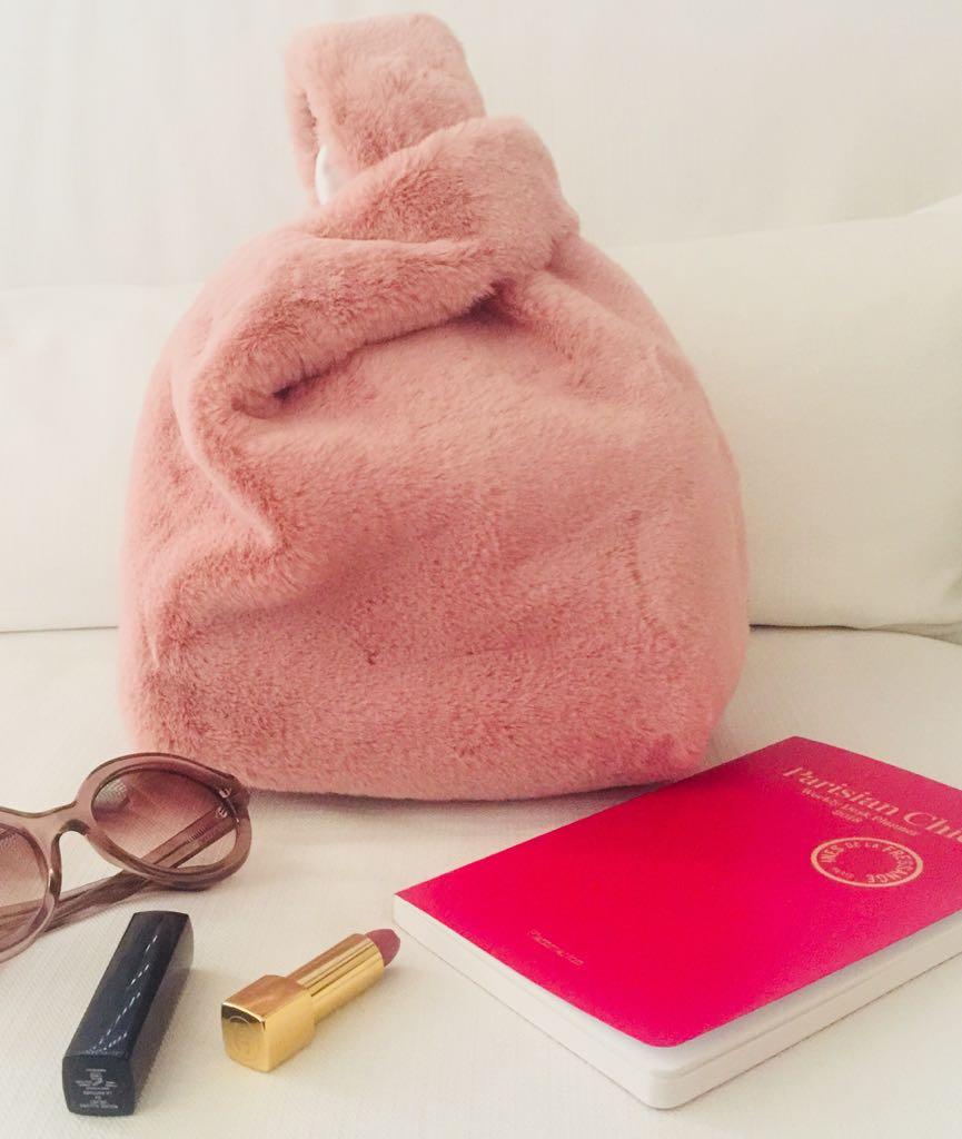 borsa rosa pelliccia - Alessandra Margi - Le Plume.jpeg