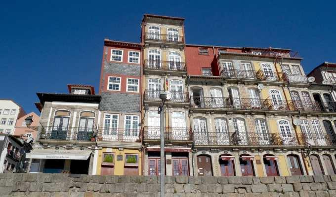 Cais de Ribeira - Porto - Le Plume
