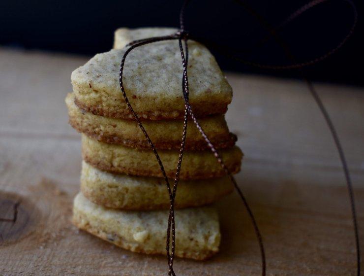 Biscotti con nocciole e zucchero di canna 1- Le Plume