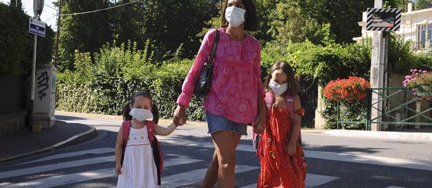 Interdiction de cracher dans la rue pour cause de grippe A