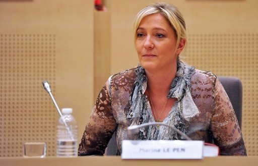 Marine Le Pen veut tout savoir sur les ventes du patrimoine national