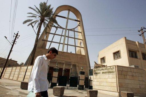 Irak: sept otages tués et au moins 13 blessés dans une église à Bagdad