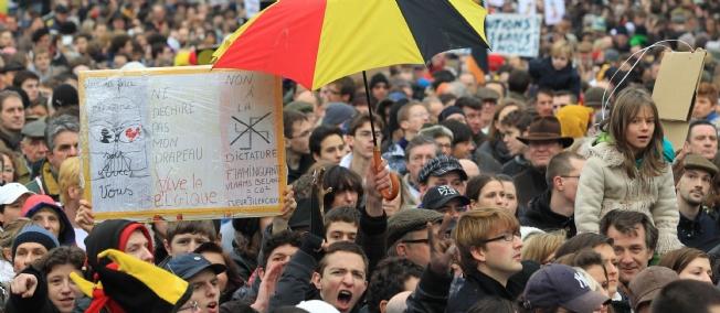 Manifestation à Bruxelles pour dénoncer la paralysie politique de la Belgique