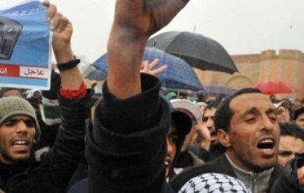 Révolte du monde arabve: plus de 100 morts en Libye, manifestations au Maroc