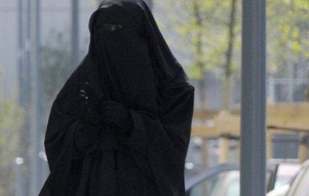 Voile intégral: une femme interpellée à Saint-Denis, une autre verbalisée aux Mureaux