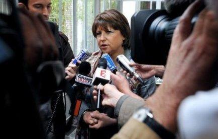 """Rumeurs sur Martine Aubry: """"qu'elle porte plainte"""", déclare Xavier Bertrand"""