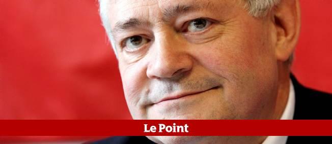 """Les """"exclus"""" de Marine Le Pen tentent de faire entendre leur voix aux journées d'été"""
