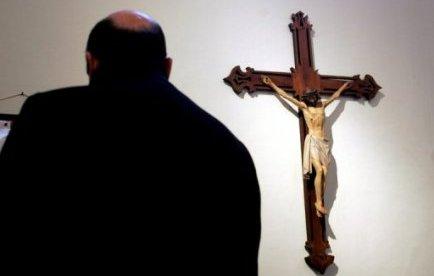 Un prêtre arrêté en état d'ivresse, son permis retiré