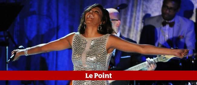 L'une des dernières apparitions sur scène de Whitney Houston, le 12 février 2011.