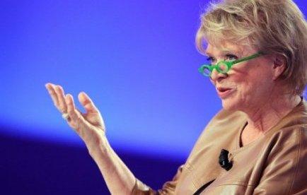 """Les propos litigieux remontent au 10 avril. Avant de se rendre à Hénin-Beaumont (Pas-de-Calais), fief de Marine Le Pen, Eva Joly avait déclaré dans un entretien avec RMC-BFMTV que son adversaire du FN était """"l'héritière de son père milliardaire par un détournement de succession""""."""