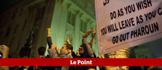 Les anti-Morsi à l'assaut du palais présidentiel, 4 décembre 2012.