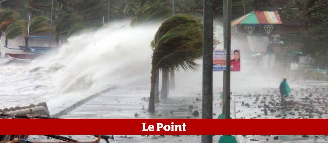 Le tiphon Haiyan frappe les Philippines.