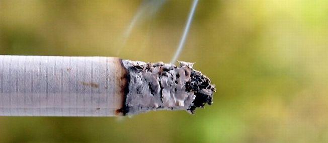 La cigarette rapporte à l'État, mais coûte à la société.