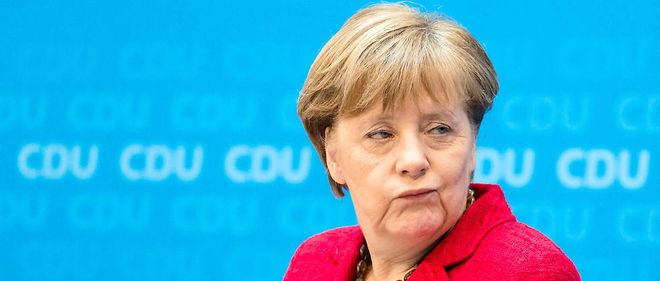 Angela Merkel est à nouveau sanctionnée poursa politique des bras ouverts vis-à-vis des réfugiés .