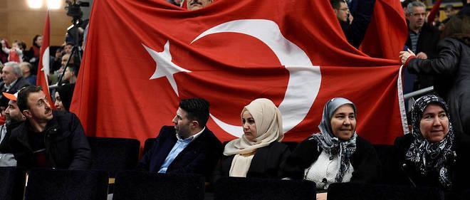 Environ 800 personnes issues de la communauté turque de l'est de la France étaient rassemblées dimanche à Metz.
