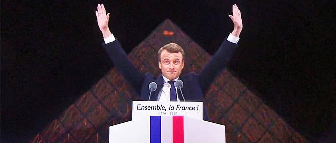 Emmanuel Macron le 7 mai devant la pyramide su Louvre, un symbole maçonnique ont voulu y voir certains.