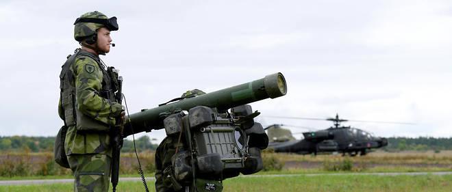 Se sentant menacée par la Russie, la Suède augmente ses effectifs et ses entraînements militaires.