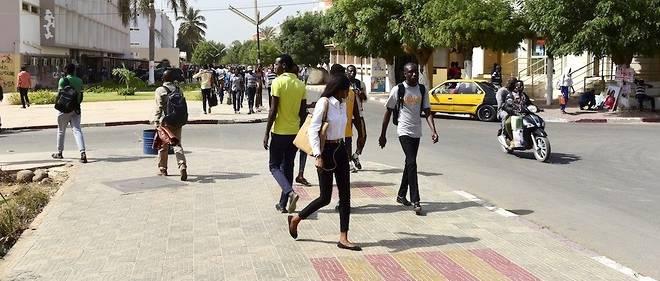 Selon Oxfam, le Senegal est l'un des pays les plus engages dans la lutte contre les inegalites meme si ce n'est pas suffisant. Ici, des etudiants de l'universite Cheikh-Anta-Diop de Dakar.,