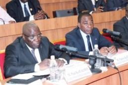 Le ministre d'état Charles Diby Koffi (à droite)et le ministre en charge de la Défense, Paul Koffi Koffi étaient face aux députés