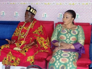 Nanan N'Depo Didas, porte-parle des chefs traditionnels et la reine-mère Kossia Tamia du Gontougo.