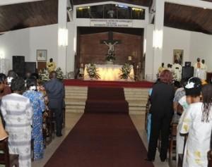 Les fidèles de l'église  catholique ont célébré, dans la piété, le réveillon de la fête de Noël.